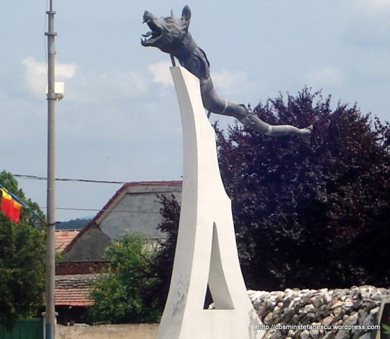 Steagul dacic din Orăştie - monument ridicat de societatea Dacia Revival