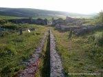 Cetatea de la Adamclisi - Șanț adânc... probabil pentru apă - Foto Cosmin Stefanescu 1 MAI 2010 (19)