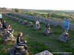 Cetatea de la adamclisi - Prietenii mei par niste piese de sah - Foto Cosmin Stefanescu - Nokia N96 (2)