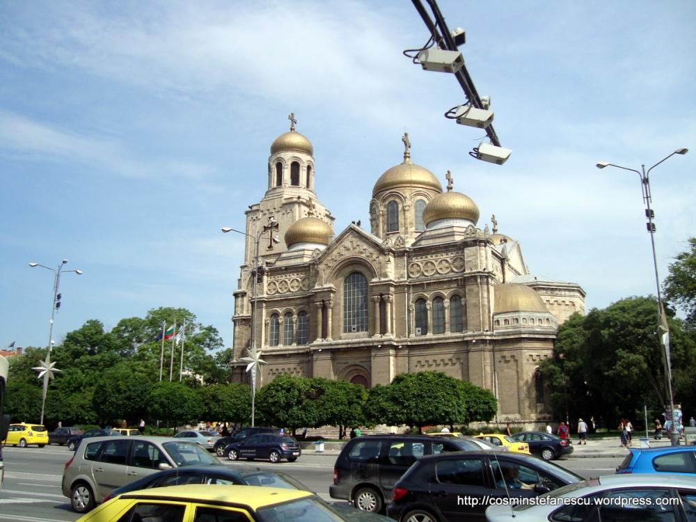 Catedrala ~ Sf. Adormirea Maicii Domnului ~ Varna -Bulgaria Foto Cosmin Stefanescu (3)