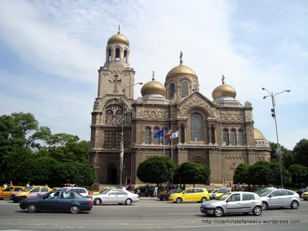 Catedrala ~ Sf. Adormirea Maicii Domnului ~ Varna -Bulgaria Foto Cosmin Stefanescu