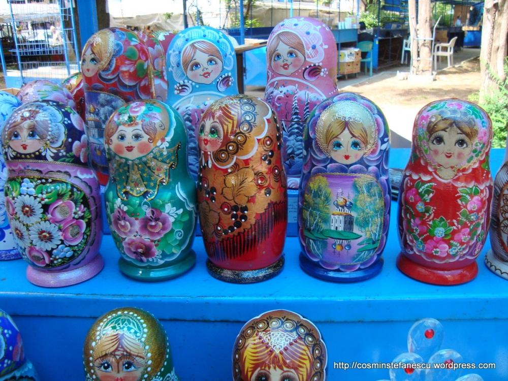 Matrioșca, simbolul rusesc - Într-o piață din Varna Bulgaria - Foto Cosmin Ștefănescu (3)