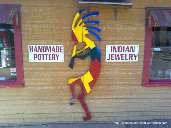 Pictura a unui indian stilizat pe un magazin de bijuterii confectionate de indieni - Canyon Palo-Duro - Foto Cosmin Stefanescu