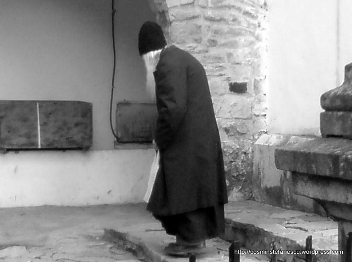 Un bătrân atât de simplu după vorbă, dupa port... Foto Cosmin Ștefănescu