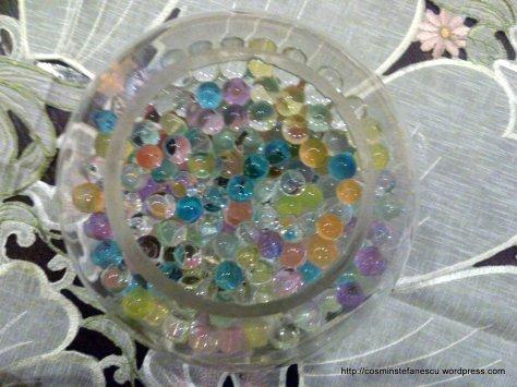 Bile colorate într-un bol de sticlă - Foto Cosmin Stefanescu (1)