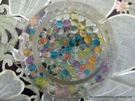 Bile colorate într-un bol de sticlă - Foto Cosmin Stefanescu (2)