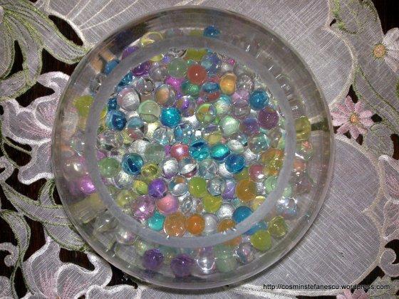 Bile colorate într-un bol de sticlă - Foto Cosmin Stefanescu (3)