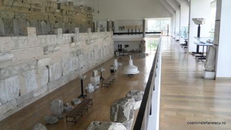 Adamclisi - Judetul Constanta - Romania - Muzeul Tropaeum Traiani - Vedere de ansamblu a exponatelor din muzeu - Foto Cosmin Stefanescu